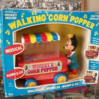 Mickey Mouse Walking Corn Popper