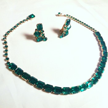 Weiss demi parure NECKLACE EARRINGS Emerald Green