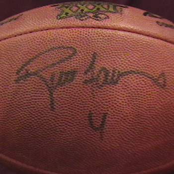 Official Superbowl XXXI Football Autographed by Brett Favre - Football