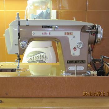 NewHome vintage model 108 - Sewing
