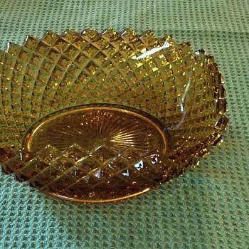 Amber wavy dish - Glassware