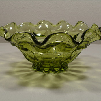 Ruffled Bowl ~ Fenton Valencia ~ Avocado Green - Glassware