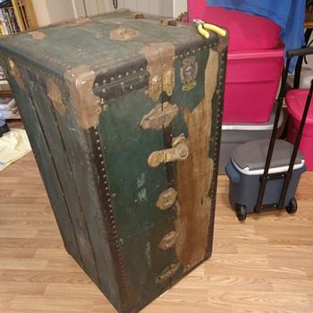 Seward Royalrobe Steamer Trunk - Furniture