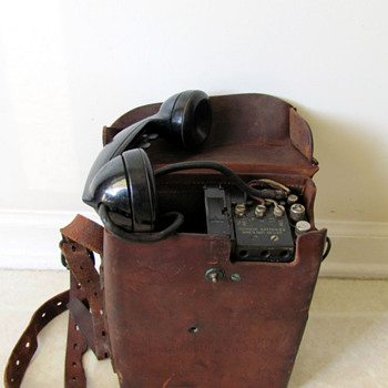 Korean War era (but most likely WWII) U.S. Army Signal Corps Field Phone w/ Leather Case - Telephones