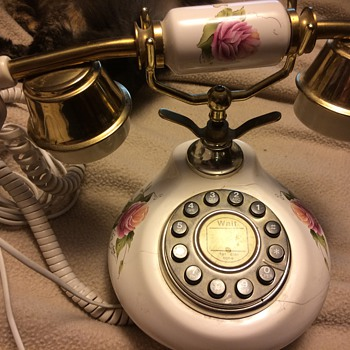Remake of an old telephone - Telephones
