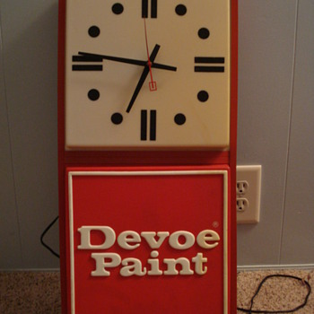Devoe Paint Light-up Clock - Advertising