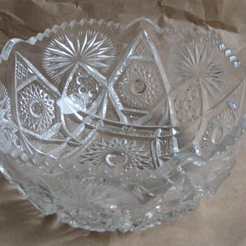 ANTIQUE GLASS BOWL - Glassware