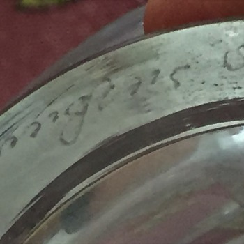 Glass bowl/dish, need help with id. - Glassware