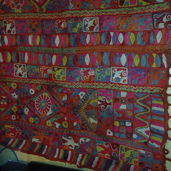 Lovely Hand made big folkart rug with men animals n flowers