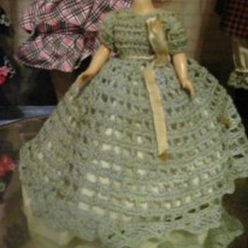6; hard plastic doll - Dolls