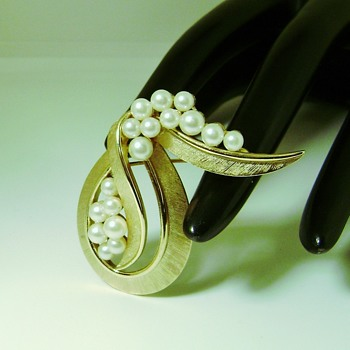 Trifari Pearl Ribbon Brooch - Costume Jewelry