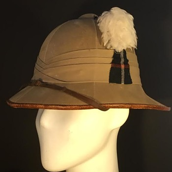 Inter-War Highland Light Infantry Officer's Sun Helmet - Military and Wartime