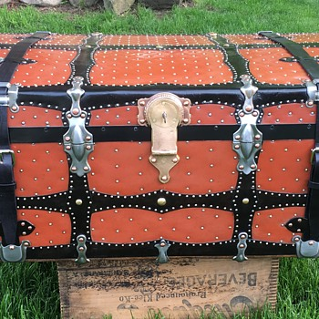 1910 - 1920 Vulcanized Fiber Steamer Trunk update. - Furniture