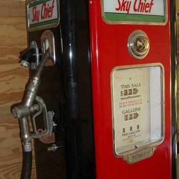 Restored Texaco Sky Chief Gas Pump - Petroliana
