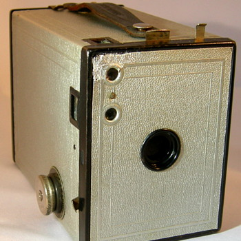 Kodak brownie no 2 model F ( silver jubilee)
