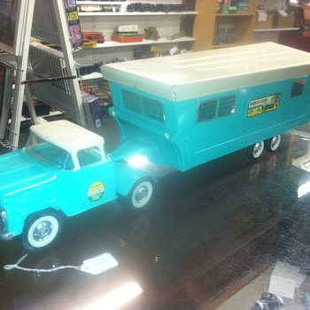 1950's Nylint truck and Trailer - Model Cars