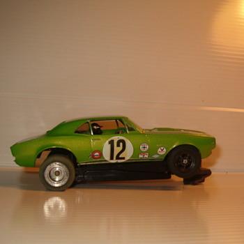 REVELL 1/32 CAMARO SS METALLIC GREEN - Model Cars