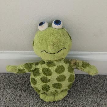 My old stuffed Frog (That I need help identifying) - Dolls