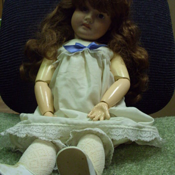 Baby doll Need info on her - Dolls