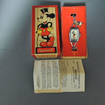 1937/1938 MICKEY MOUSE DELUXE WRIST WATCH - Wristwatches