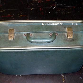 1960s-suitcase.