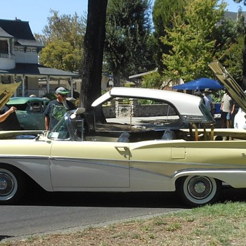 More From the Cruisin Reunion Route 66 Show - Classic Cars