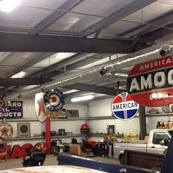 Updated pics of Man Cave - Petroliana