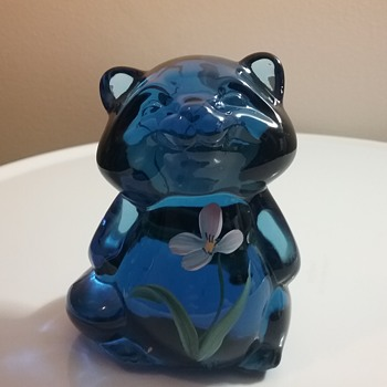 Fenton Glass raccoon  - Animals