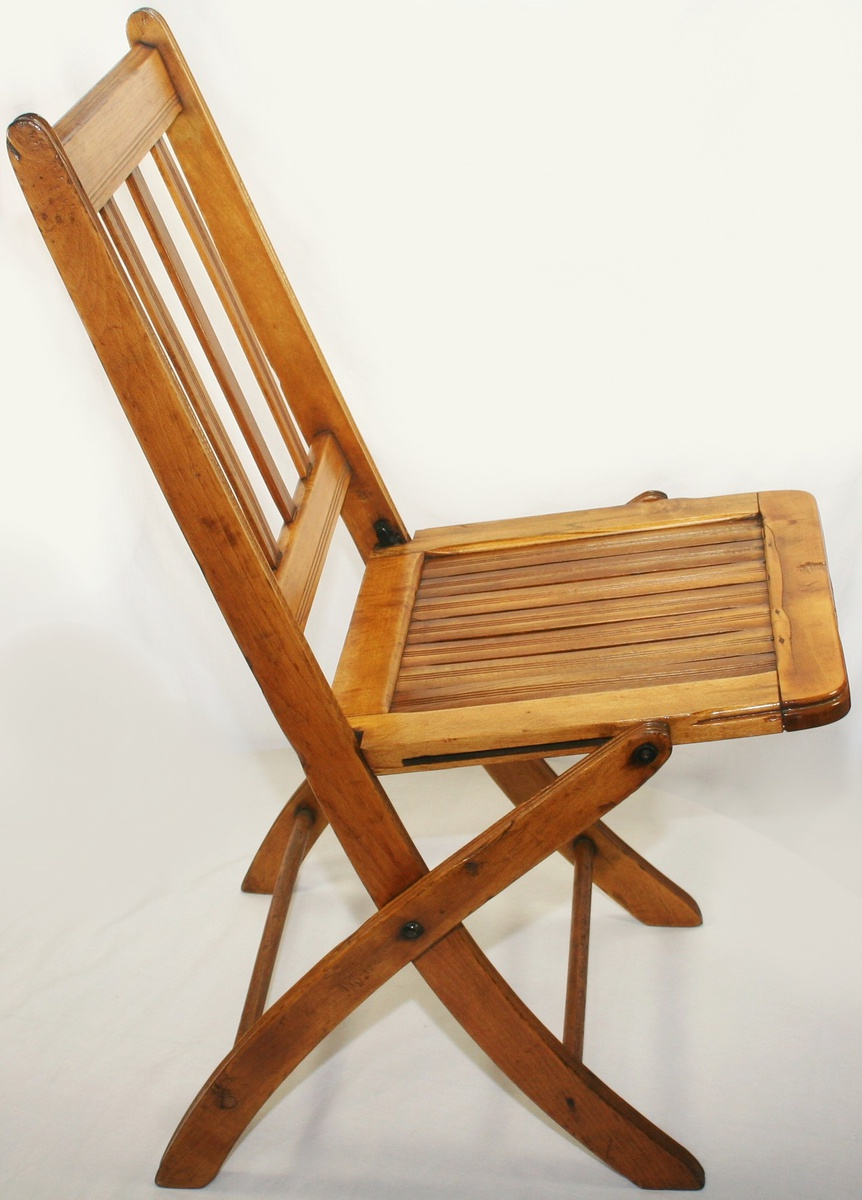 Beautiful Vintage Art Deco Era Folding Wooden/Slatted Chair | Collectors  Weekly