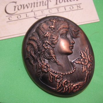 "Cameo Head frm ""Crowning Touch"" Collection - Costume Jewelry"