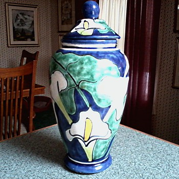 "Large Talavera Pottery ""Calla Lily""  Vase-Jar with Lid / Marked Talavera Castillo Mexico/Circa 19?? - Pottery"