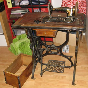 My Favorite unknown sewing machine