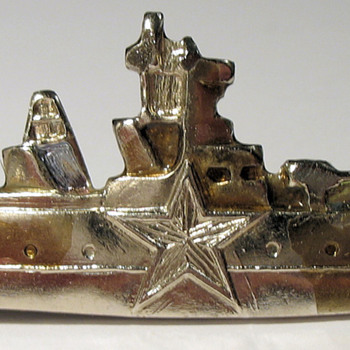 WWII Russian Frigate Pin - Military and Wartime