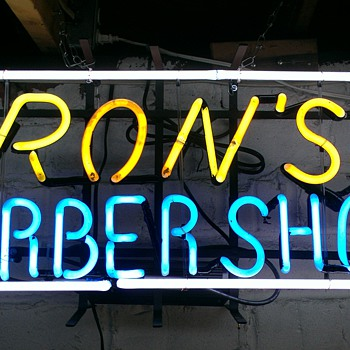 Vintage barber neon sign - Advertising