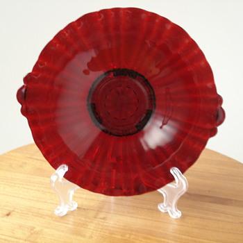 Red plate - Glassware