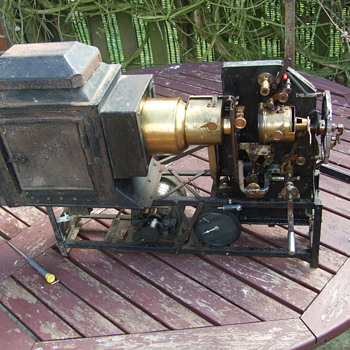 magic lantern /film projector