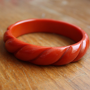 Carved Red Bangle Bracelet /  Vintage Plastic - Costume Jewelry