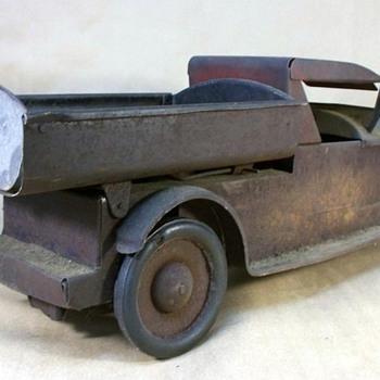 Turner Packard dump truck 1920's #266 - Toys