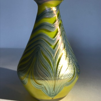 Loetz Metalic Lemon Yellow PG829 C1900 - Art Glass