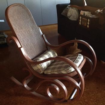 My two beautiful rockers of unknown origin  - Furniture