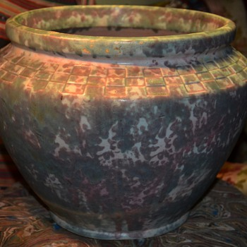 Very Large Burleigh Winter Jardinere - Pottery