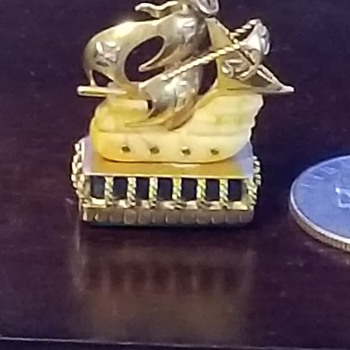 watch fob antique have no clue about this item or how or where it may have come from i find it quite interesting and am amaze - Fine Jewelry