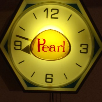 Pearl Lighted Beer Clock - Breweriana