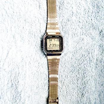 1986-casio tc 600 touch sensor watch/calculator.