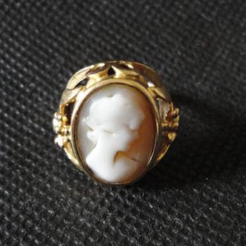 Jugendstil Historismus German Cameo Gold Ring c. 1900 - Fine Jewelry