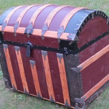 1880's - 1890's Round Top Saratoga Trunk - Furniture