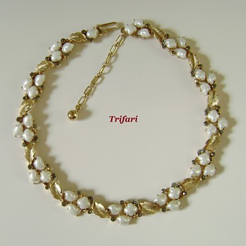 Trifari Sorrento Necklace - For Plein - Air - Painter - Costume Jewelry