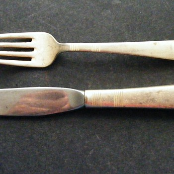 Are these Colonial Airline flatware as well? - Advertising