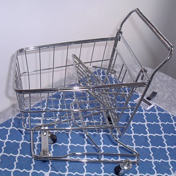 Toy shopping cart. - Toys