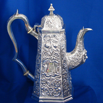Irish Antique Silver Coffee Pot, William Nowlan, Dublin 1831 - Silver